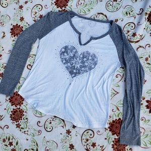 Miss me Jean's size large heart baseball tee (J)